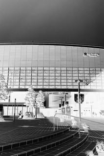 たまプラーザ駅モノクロ.JPG